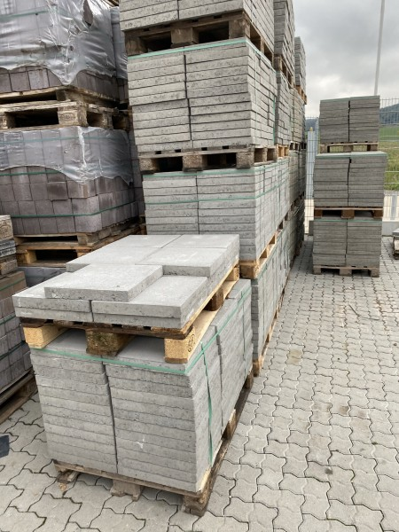 2. Wahl Betonplatte 40x40x5cm grau/ zementgrau